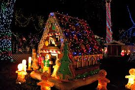 What a pretty gingerbread house.